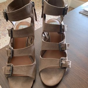 Size 6.5 DV buckle sandals